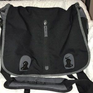 NIKE COMPUTER BAG 💼